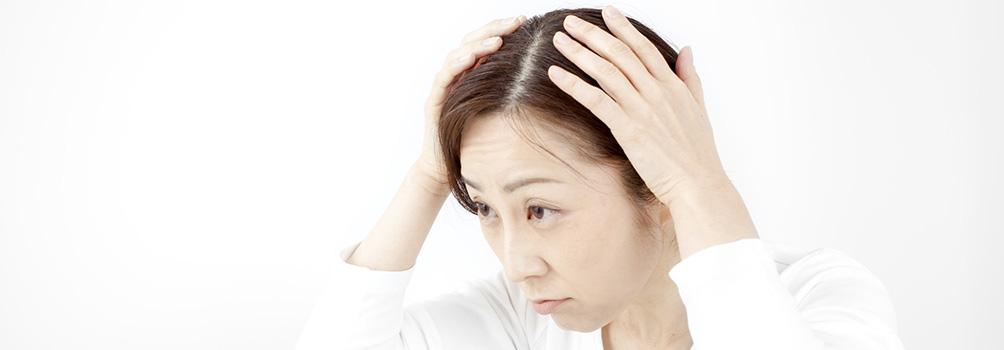 薄毛に悩む女性急増中!いま、注目される女性向けの毛髪再生治療とは?